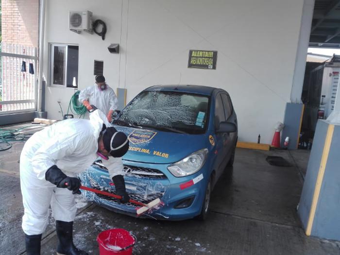 Limpiando Vehicúlo en Panamá